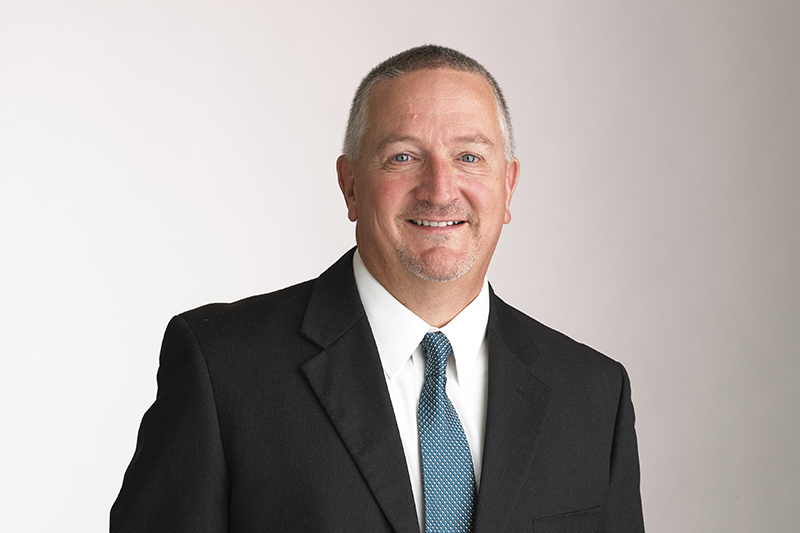 Kevin Henderson, Investment Executive of First Midwest Bank